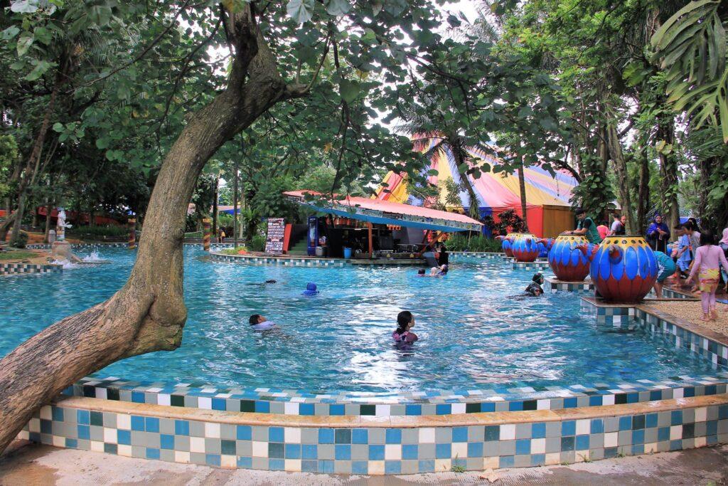 Wahana Leisure Poll - Harga Tiket Masuk The Jungle Waterpark Bogor